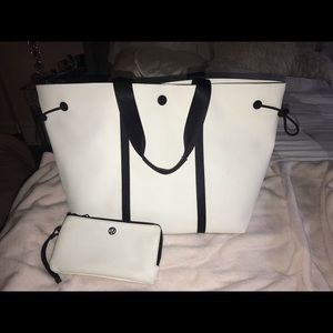 NWOT RARE lululemon Day Out Tote